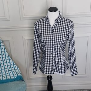 Fitted gingham button-down